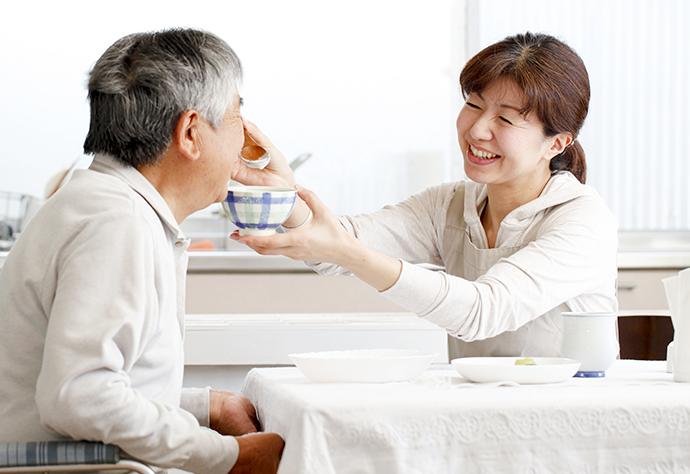 固定された歯は介護する側も管理が容易に